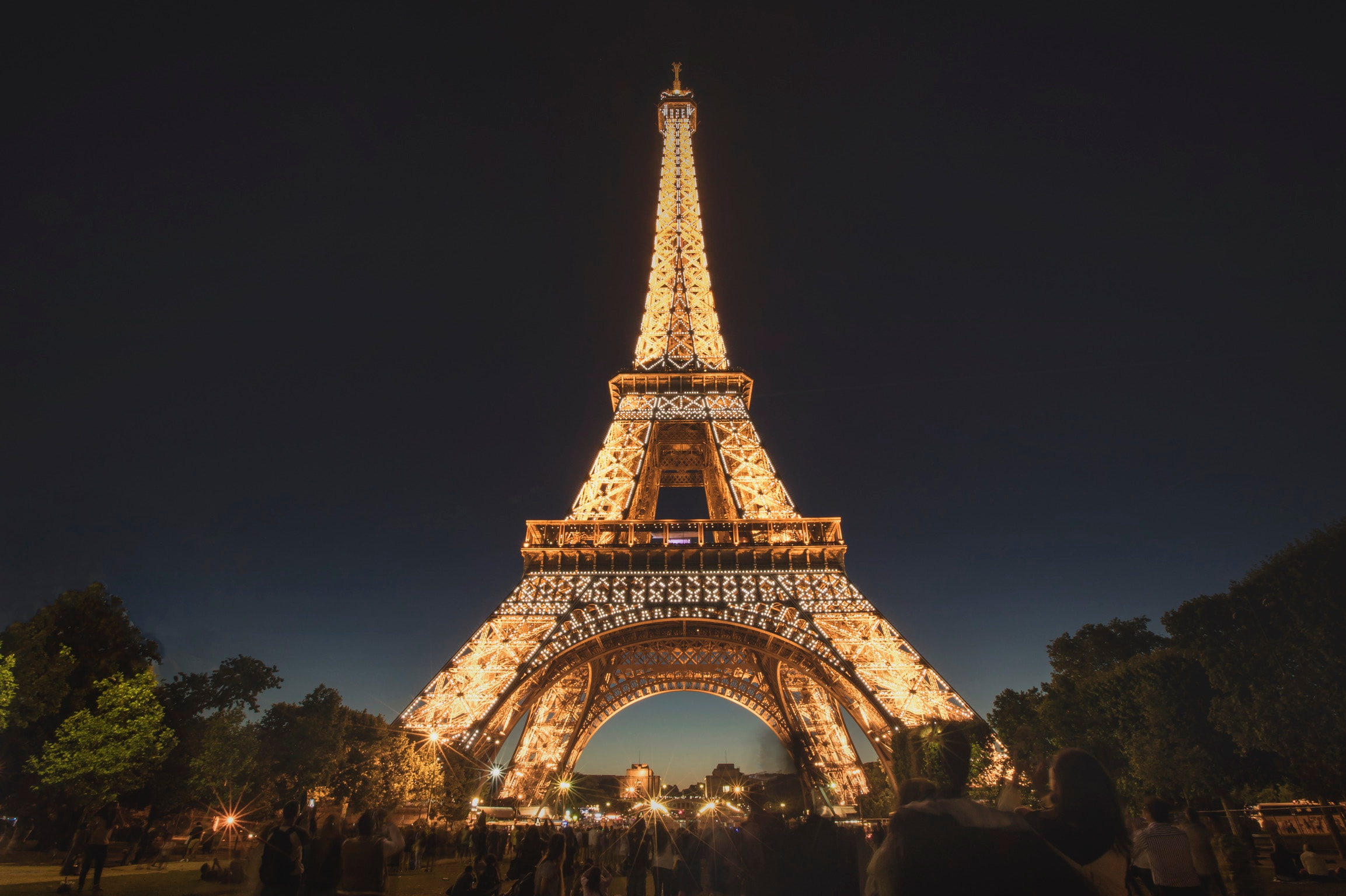 10 Things to know about the Legendary Eiffel Tower: The Iron Lady of Paris!