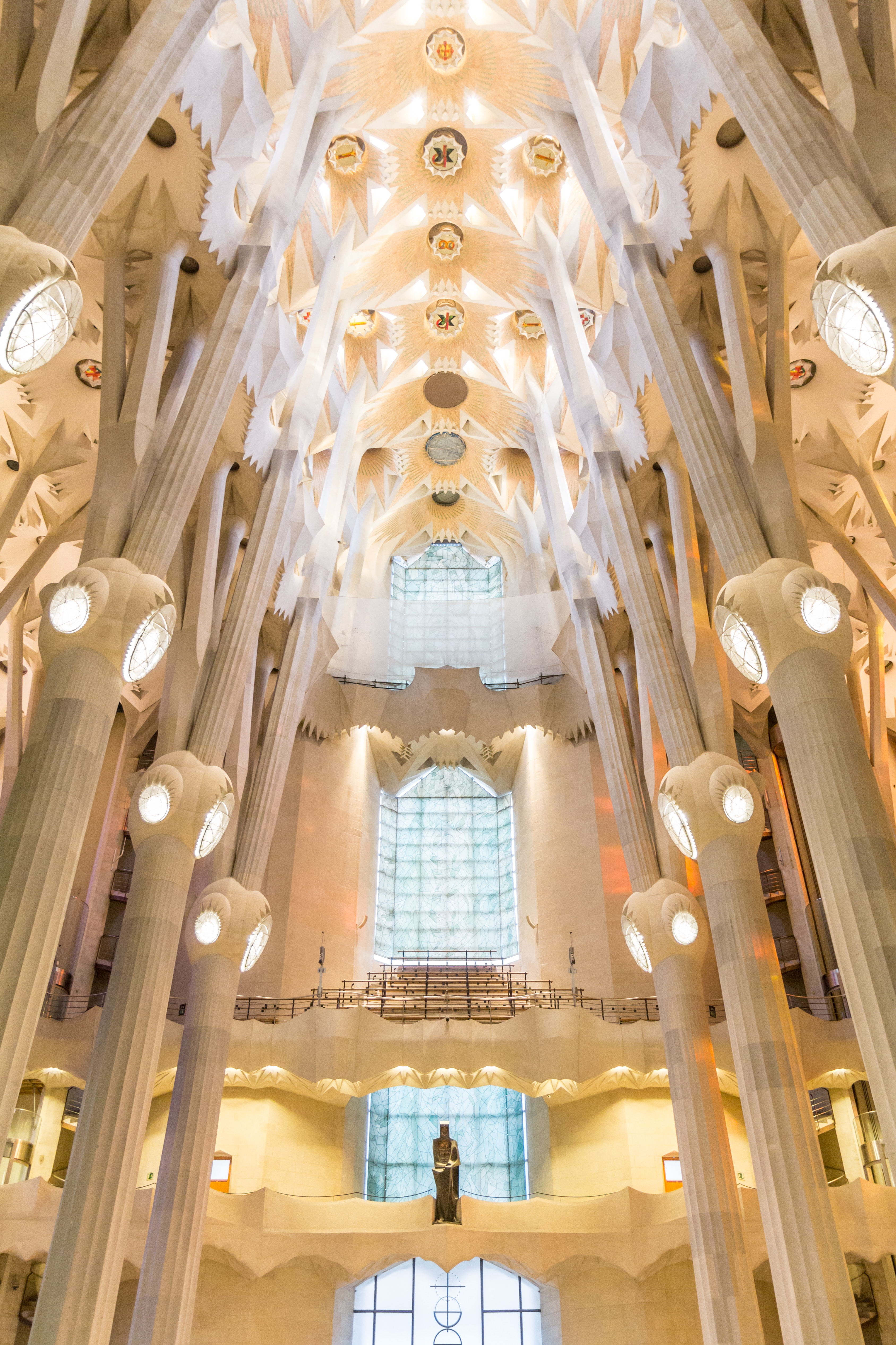 """Top 7 Must visit Building by the """"God's Architect"""", Antoni Gaudi"""