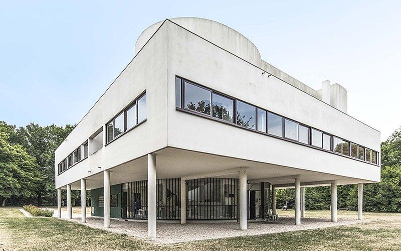 Villa Savoye: An architectural Sculpture