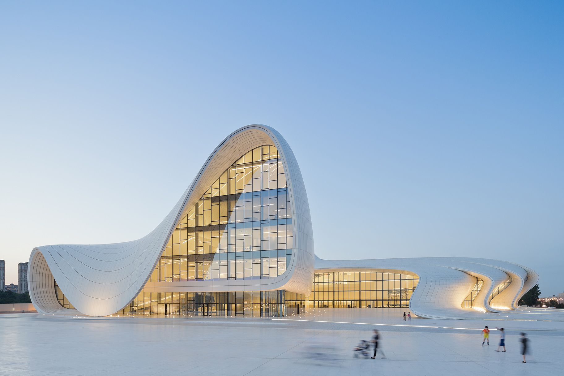 ZAHA HADID: BREAKING THE STEREOTYPE